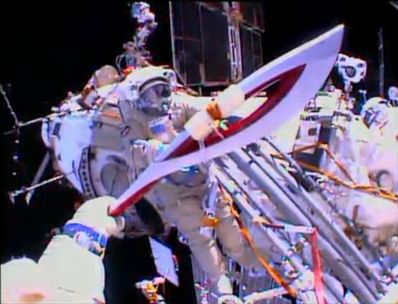 olympic-torch-spacewalk-cosmonauts-view
